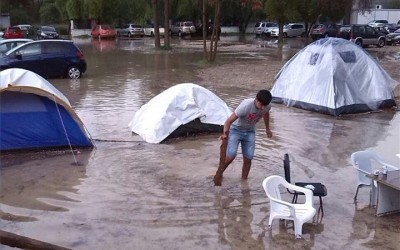 The tents of the stateless Kurds from Syria, who are protesting outside the Ministry of Interior, have flooded –  Urgent appeal for their support